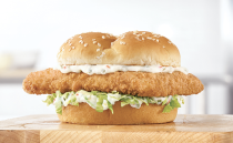 <p>Arby's has two different fish sandwiches available for a limited time. First is a Crispy Fish sandwich with a fish filet, tartar sauce, and lettuce on a sesame seed bun. You can also get a King's Hawaiian Fish Deluxe, which includes their fish filet, lettuce tomato, cheese, and tartar sauce on a King's Hawaiian bun.</p>