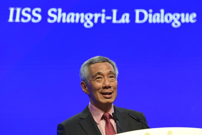 Singapore's Prime Minister Lee Hsien Loong speaks during the opening of the Shangri-La Dialogue summit (AFP Photo/Roslan RAHMAN)