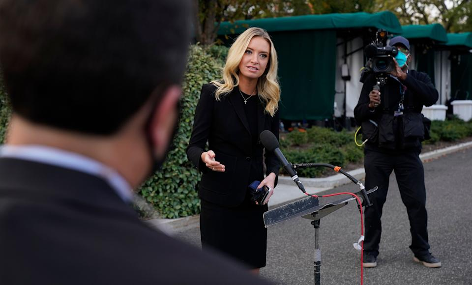 A day before testing positive for COVID-19, White House press secretary Kayleigh McEnany spoke to reporters without a mask. (Photo: Jacquelyn Martin/Associated Press)