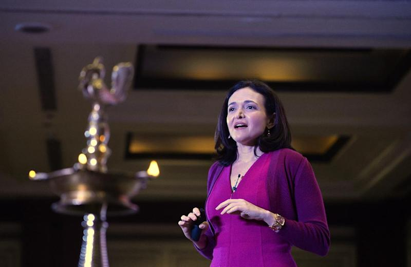 Facebook chief operating officer Sheryl Sandberg addresses a interactive session in New Delhi, India, on July 2, 2014 (AFP Photo/Chandan Khanna)