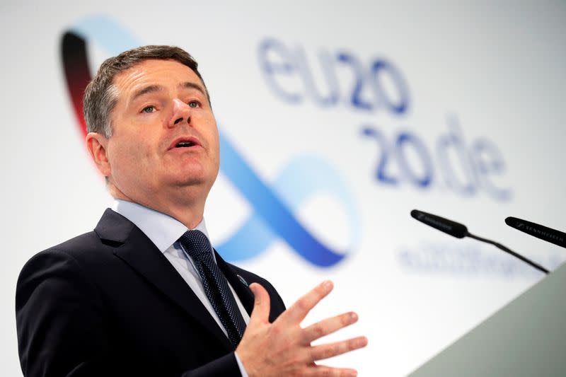Euro zone ministers pledge lasting fiscal support for economy
