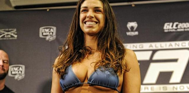 Mackenzie Dern Ekes Out a Victory in Her Octagon Debut (UFC 222 Results)