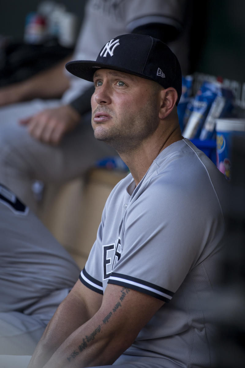 ccaaa8786f4 38-year-old outfielder Matt Holliday returns to the Rockies