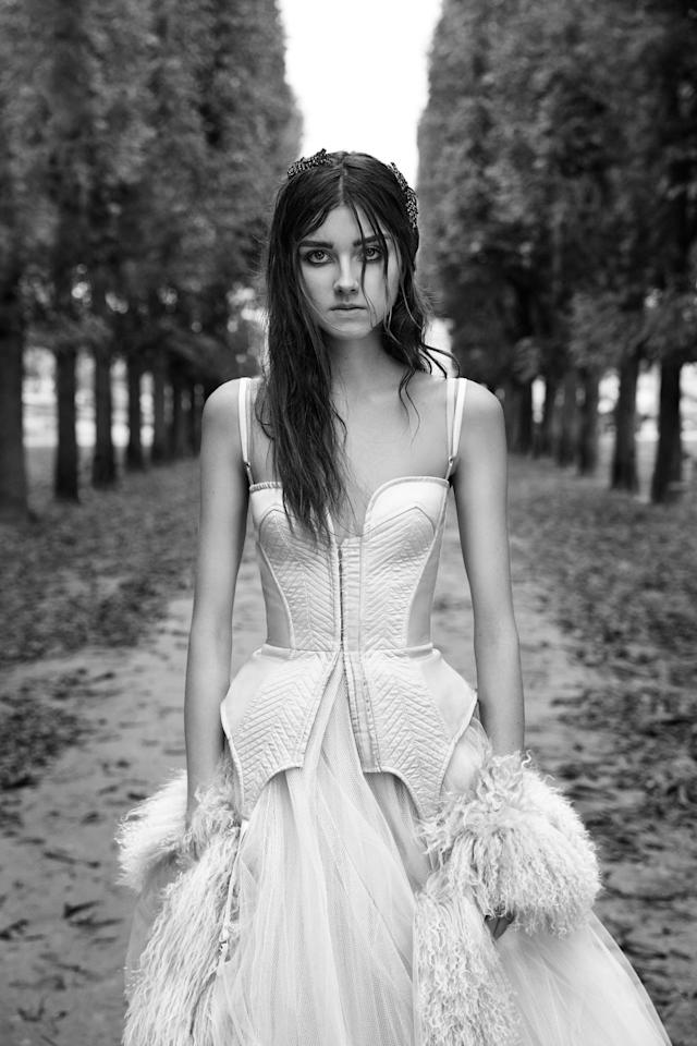 <p><i>A-line gown with trapunto accent on a silk corset and garter peplum. (Photo: Courtesy of Vera Wang/Patrick Demarchelier) </i></p>