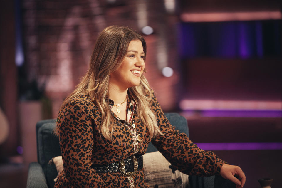 Kelly Clarkson opened up about therapy, aging and fighting to