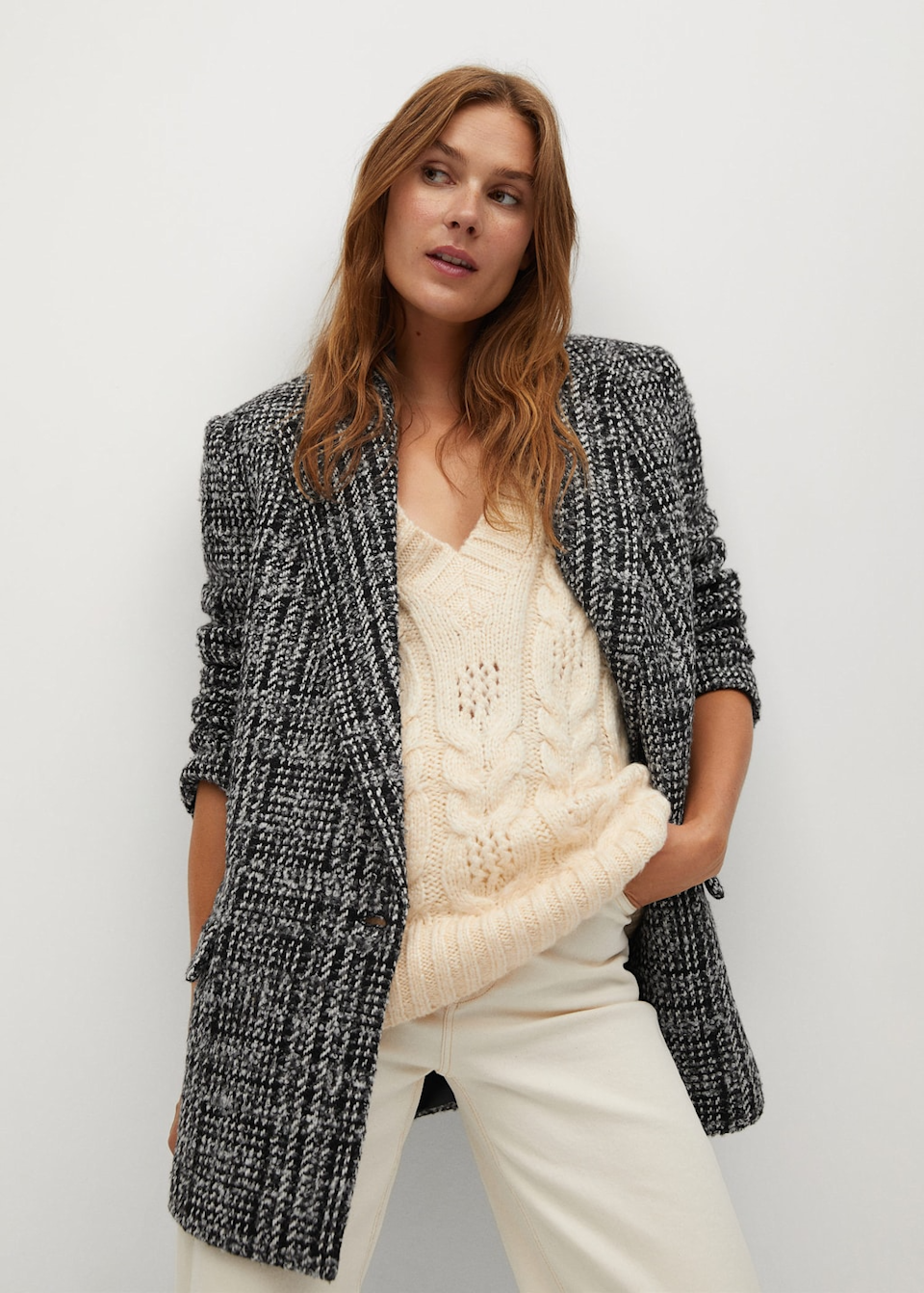 "<h3><strong>Oversized Blazers</strong></h3><br><br><strong>Mango</strong> Tweed Blazer, $, available at <a href=""https://go.skimresources.com/?id=30283X879131&url=https%3A%2F%2Fshop.mango.com%2Fus%2Fwomen%2Fjackets-blazers%2Ftweed-blazer_77027108.html"" rel=""nofollow noopener"" target=""_blank"" data-ylk=""slk:Mango"" class=""link rapid-noclick-resp"">Mango</a>"