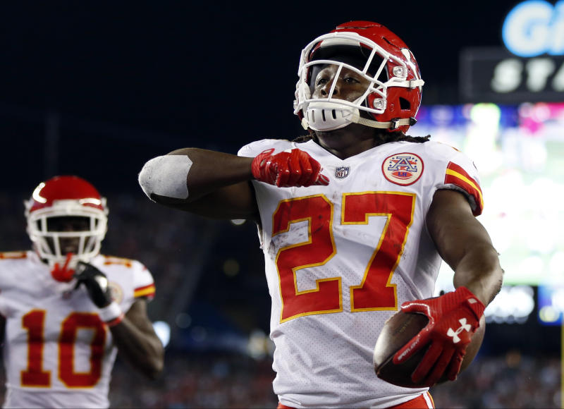Woman accuses Chiefs RB Hunt of shoving her