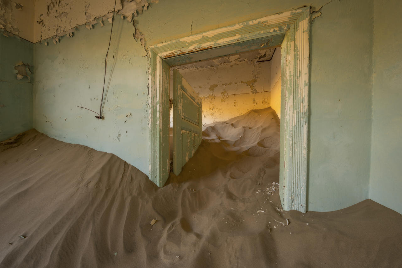 <p>This collection of pictures was taken along the B4 corridor between Luderitz and Aus in Namibia. (Photo: David Swindler/Caters News) </p>