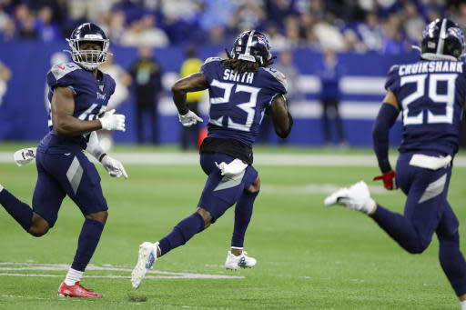 Blocked Field Goal Helps Titans Topple Colts 31 17