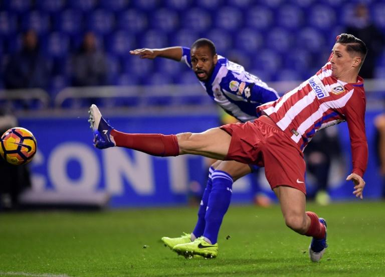 Atletico Madrid's Fernando Torres (right) in action during the Spanish league match against Deportivo La Coruna at the Riazor stadium on March 2, 2017