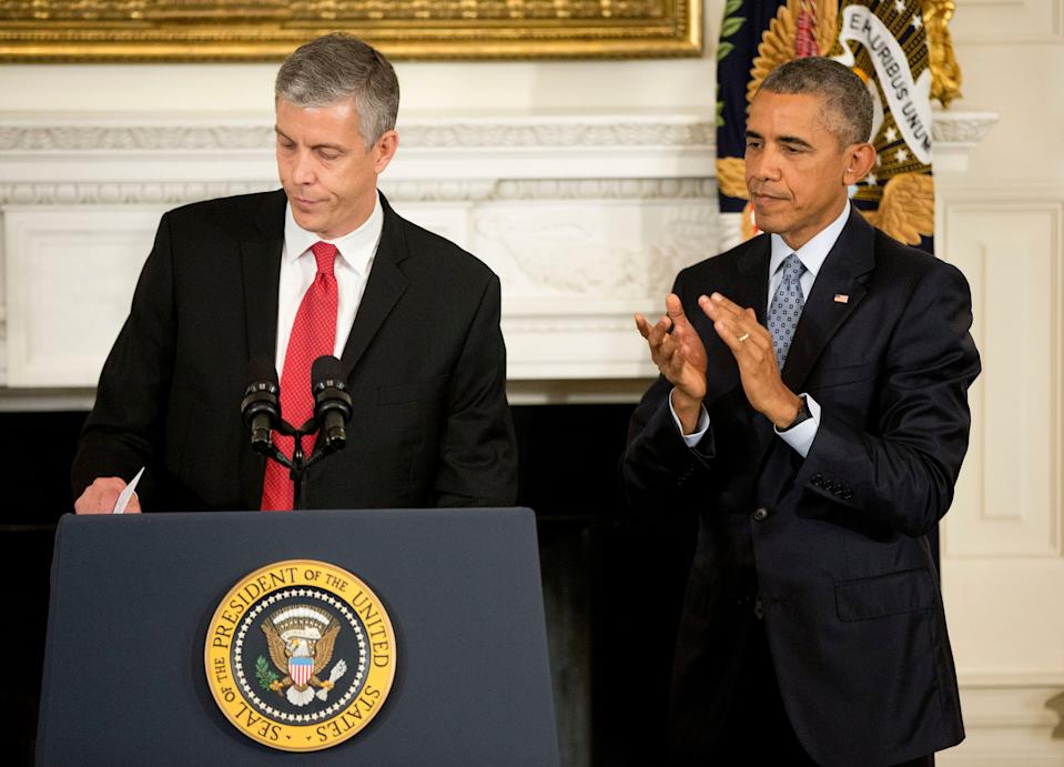 President Barack Obama applauds as Secretary of Education Arne Duncan leavers the podium after speaking in the State Dining Room of the White House in Washington, Friday, Oct. 2, 2015, to announce that Duncan will be stepping down in December after 7 years in the Obama administration. Duncan will be returning to Chicago and Obama has appointed senior Education Department official, John King Jr., to oversee the Education Department. (AP Photo/Pablo Martinez Monsivais)