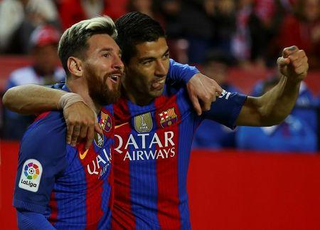 Before clasico, Barca must break losing streak at Sociedad
