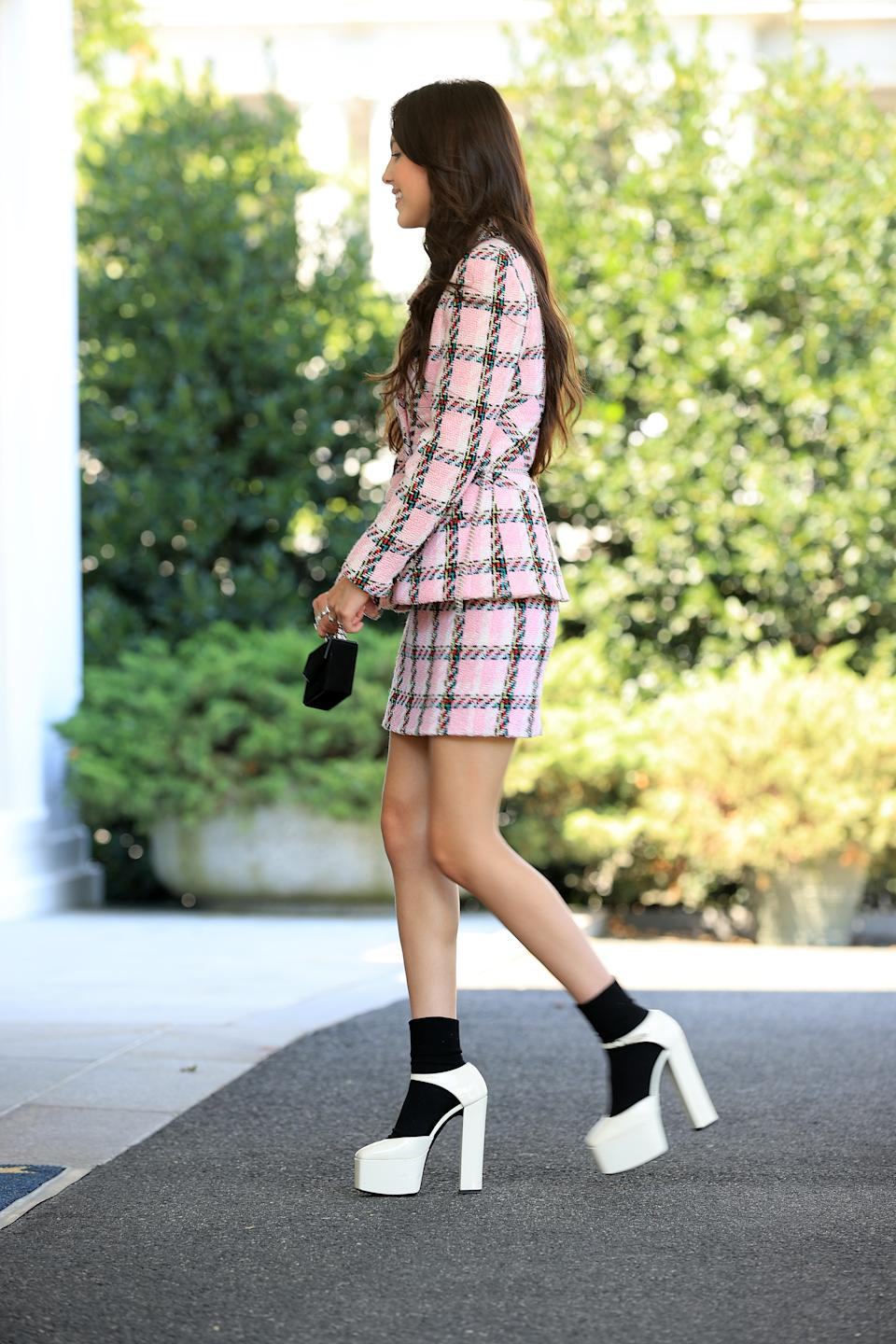 WASHINGTON, DC - JULY 14: Pop music star and Disney actress Olivia Rodrigo arrives at the White House on July 14, 2021 in Washington, DC. Rodrigo is partnering with the White House to promote COVID-19 vaccination outreach to her young fans. (Photo by Chip Somodevilla/Getty Images)