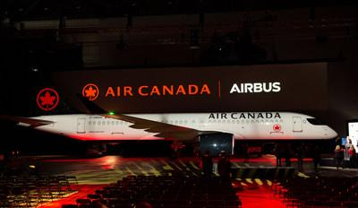 Air Canada Celebrates the Arrival of its First Airbus A220, Continuing its Fleet Modernization Program (CNW Group/Air Canada)