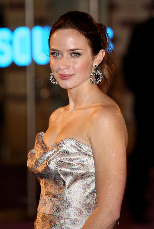 """<a href=""""http://movies.yahoo.com/movie/contributor/1808577445"""">Emily Blunt</a> at the London premiere of <a href=""""http://movies.yahoo.com/movie/1809924173/info"""">The Young Victoria</a> - 03/03/2009"""