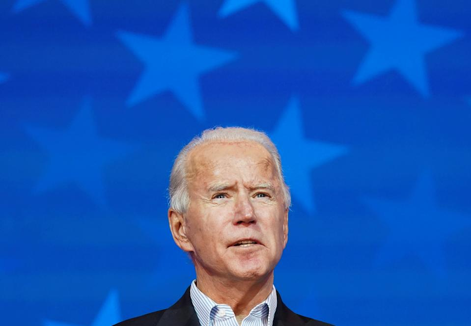 Democratic U.S. presidential nominee Joe Biden makes a statement on the 2020 U.S. presidential election results during a brief appearance before reporters in Wilmington, Delaware, U.S., November 5, 2020. REUTERS/Kevin Lamarque     TPX IMAGES OF THE DAY