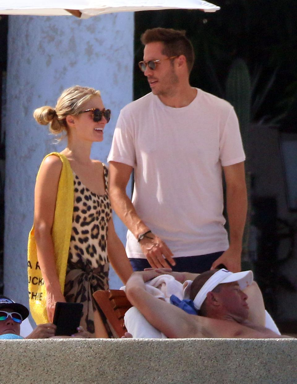 Paris Hilton y su novio Carter Reum en un resort de lujo en Cabo San Lucas. (Photo by Clasos/Getty Images)