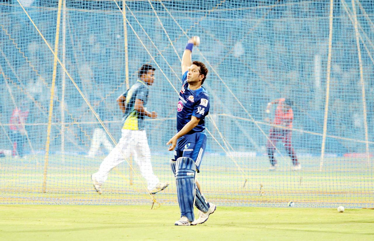 Sachin Tendulkar at a Mumbai Indians' net session at the Wankhede Stadium on 8 April 2013. (Yogen Shah)