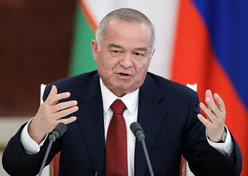 Uzbek President Islam Karimov speaking to the media after a meeting at the Kremlin in Moscow on April 20, 2010 (AFP Photo/Alexander Zemlianichencko)