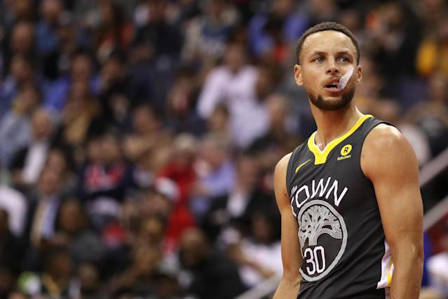 U.S. President Donald Trump disinvited Steph Curry and the Golden State Warriors from the White House.