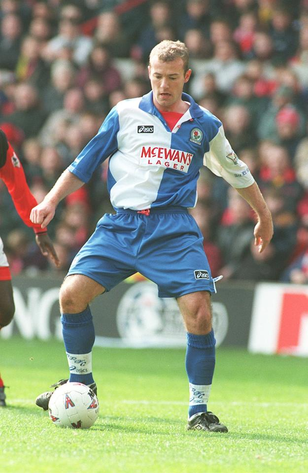 <p>Shearer scored 34 goals in 42 games. This helped Blackburn Rovers snatch the Premier League title from Manchester United on the final day of the season. </p>