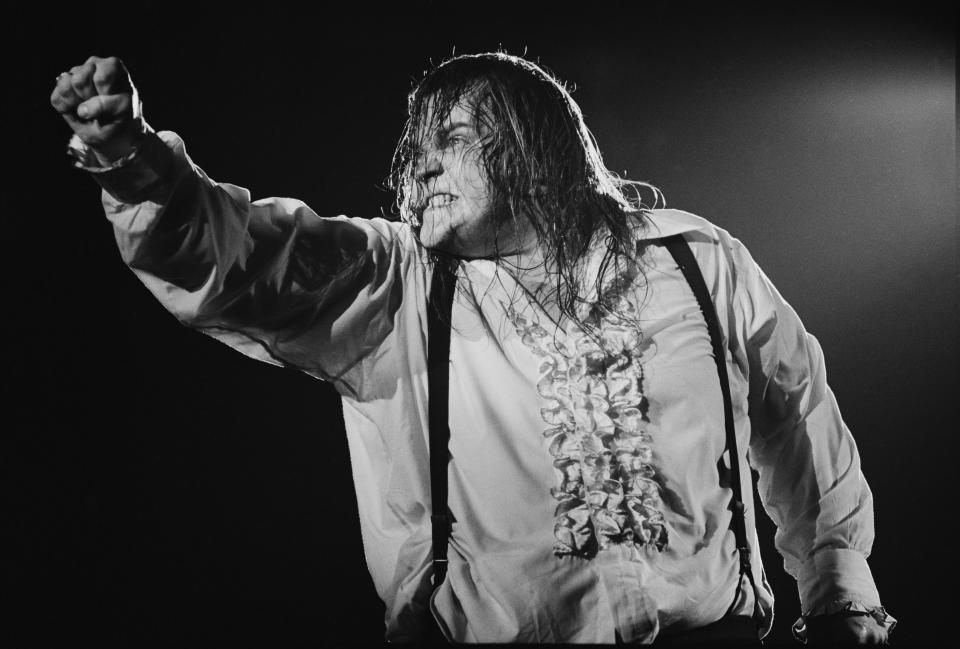 American singer Meat Loaf performing on stage during the Bat Out Of Hell Tour, USA, September 1978. (Photo by Michael Putland/Getty Images)