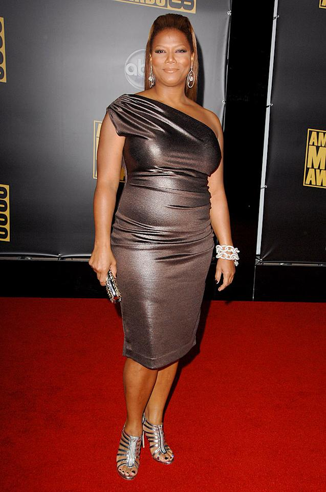"Queen Latifah shimmered in a metallic gown and gladiator sandals. Steve Granitz/<a href=""http://www.wireimage.com"" target=""new"">WireImage.com</a> - November 23, 2008"