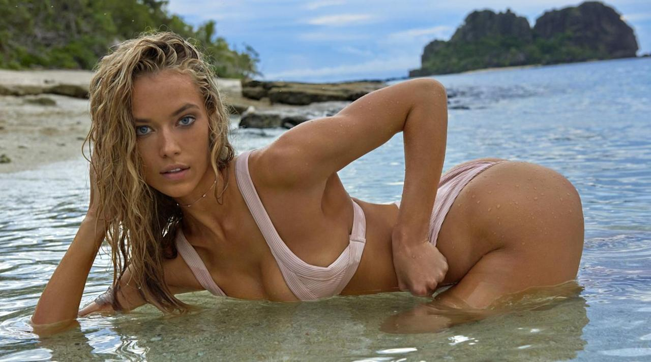 24ea24a5bcda <p>Hannah Ferguson was photographed by Yu Tsai in Fiji. Swimsuit by Are