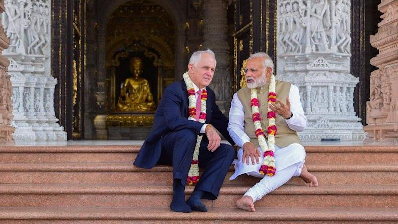 Modi and Australian PM's Akshardham Pictures Has Twitter LOL