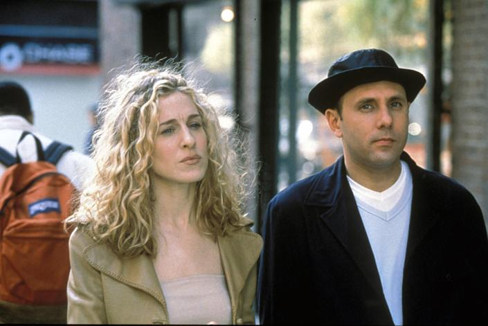 Sex and the City  Tv series 1998 - 2004 USA 1998 Season 1, episode 3 : Sarah Jessica Parker , Willie Garson Director : Nicole Holofcener Sarah Jessica Parker , Kristin Davis Created by Darren Star, Candace Bushnell. Image shot 1998. Exact date unknown. (Alamy Stock Photo)