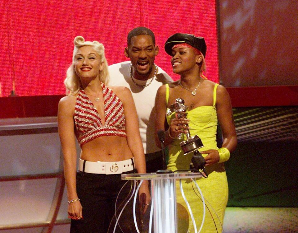 <p>Gwen Stefani, Will Smith and Eve onstage at the 2001 MTV Video Music Awards held at the Metropolitan Opera House at Lincoln Center in New York City on September 6, 2001.</p>