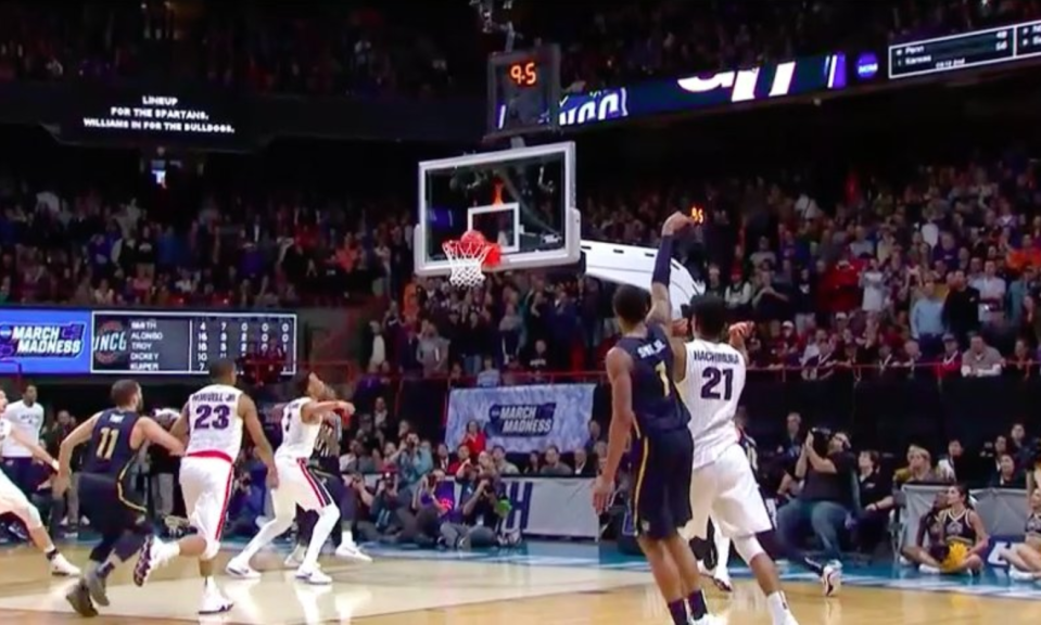 No. 13 seed UNC Greensboro was this close to tying No. 4 seed Gonzaga in the final 10 seconds of their first round NCAA tournament game. (Screen shot: TNT)