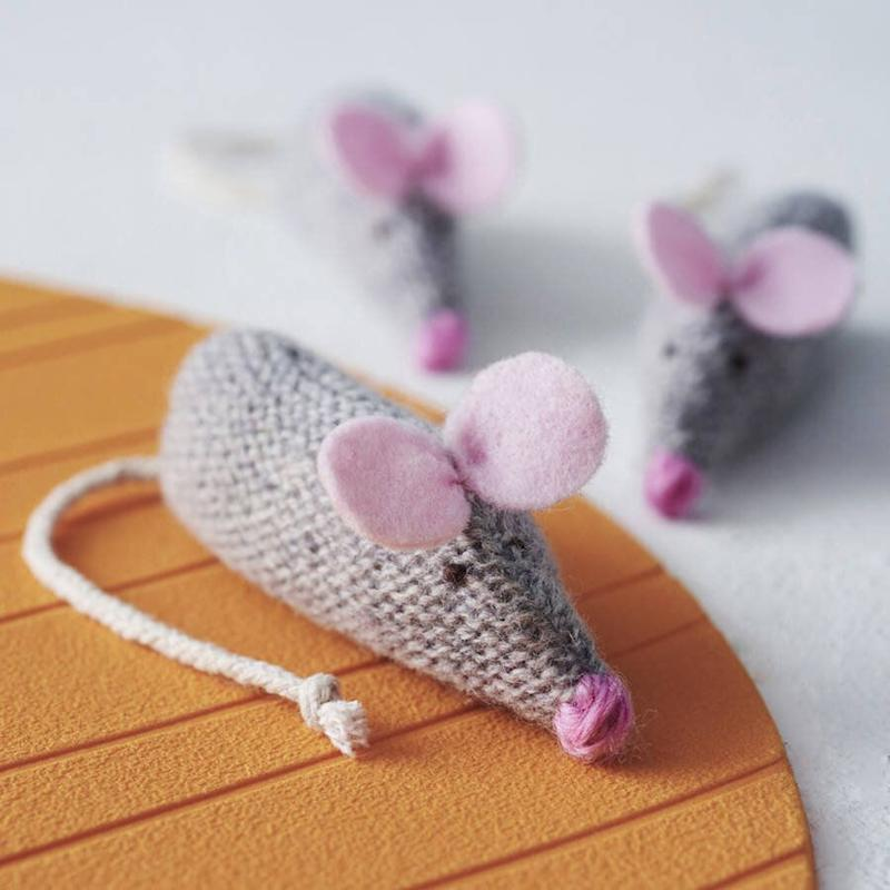 "<a href=""https://fave.co/2rDZT57"" target=""_blank"" rel=""noopener noreferrer"">Catnip Mouse, Laura Long, via Not On the High Street</a>, &pound;8 (Photo: HuffPost UK)"