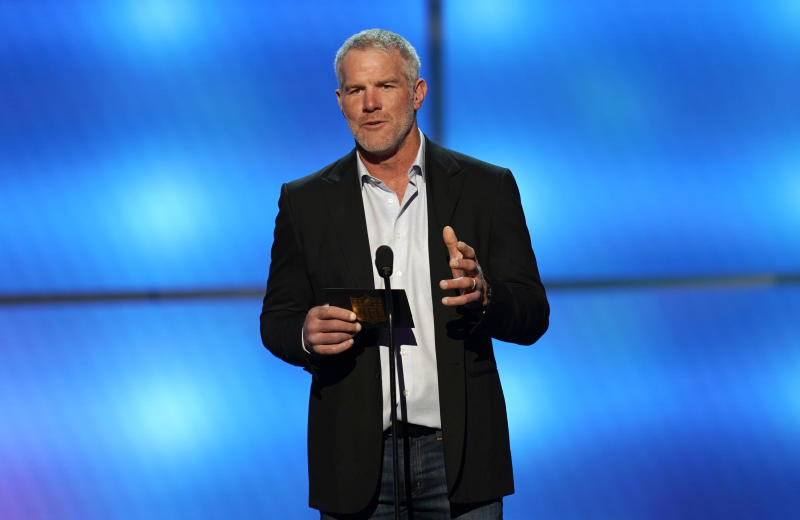 Pro Football Hall of Fame quarterback Brett Favre said he sees himself in two young NFL quarterbacks. (AP)