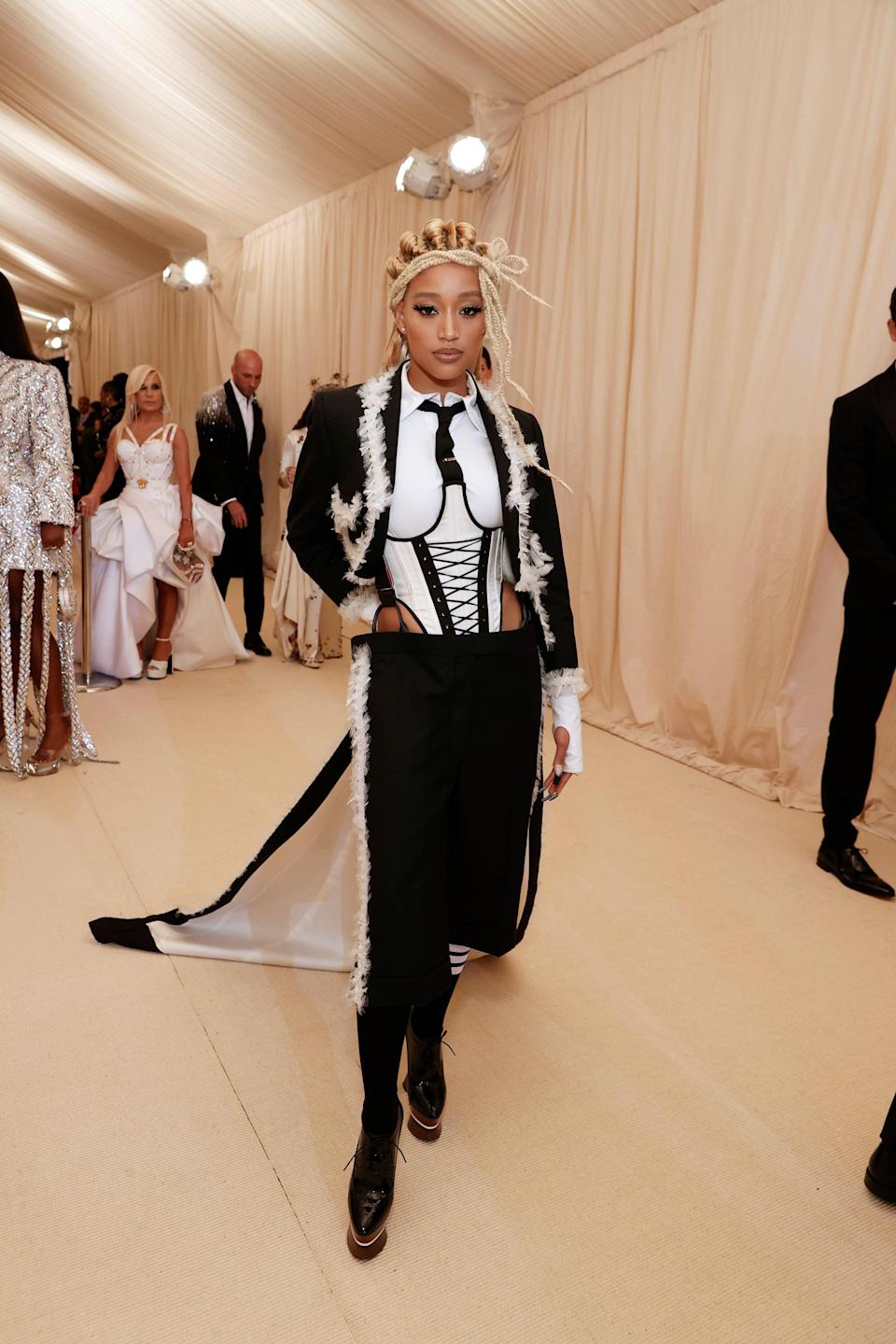 """<h1 class=""""title"""">Amandla Stenberg in Thom Browne</h1><cite class=""""credit"""">Photo: Getty Images</cite>"""