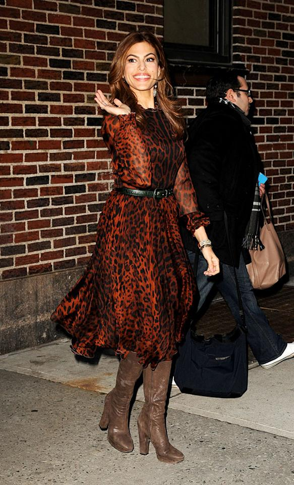 Call us crazy, but we find Eva Mendes' black belt and mismatched brown boots very distracting ... and that's before we even get to dissing her animal print dress. Discuss! (3/19/2013)
