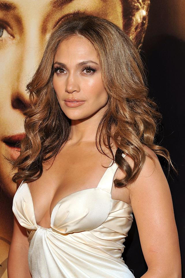 """<a href=""""http://movies.yahoo.com/movie/contributor/1800023864"""">Jennifer Lopez</a> at the Los Angeles premiere of <a href=""""http://movies.yahoo.com/movie/1809785152/info"""">The Curious Case of Benjamin Button</a> - 12/08/2008"""
