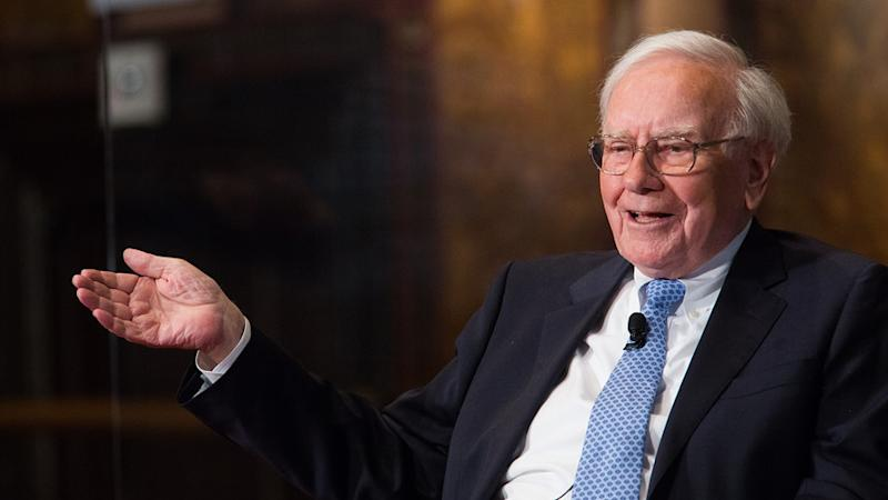 Warren Buffett likely made more than .6 billion today, thanks to soaring Apple shares
