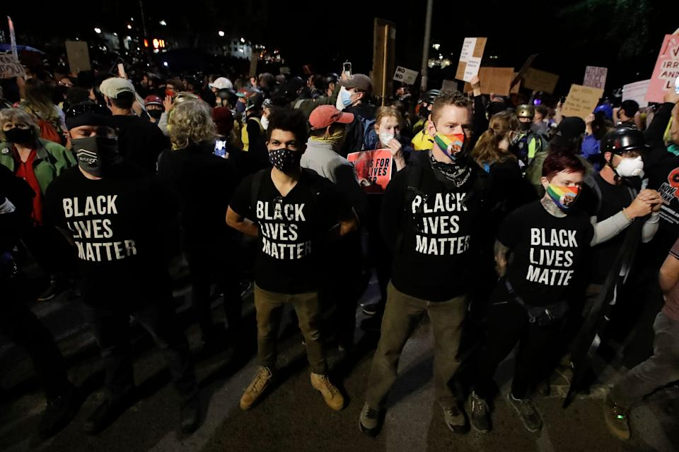 A group of military veterans outside the Mark O. Hatfield United States Courthouse during a Black Lives Matter protest in Portland, Oregon, on Friday. (Photo: AP Photo/Marcio Jose Sanchez)