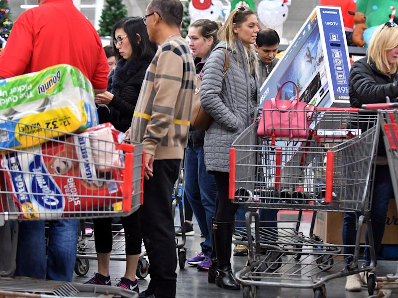 Black Friday online sales rise, but footfall dips