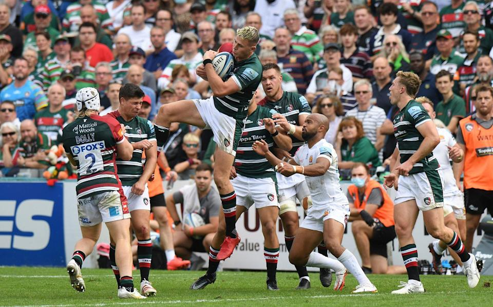 Freddie Steward of Leicester Tigers gathers a high ball during the Gallagher Premiership Rugby match between Leicester Tigers and Exeter Chiefs at Mattioli Woods Welford Road Stadium on September 18, 2021 in Leicester, England. - GETTY IMAGES