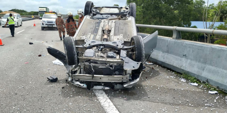 The car accident along Kilometer 19.2 of the Senai-Desaru Highway near Johor Baru, August 17, 2021. — Picture courtesy of the Johor Fire and Rescue Department