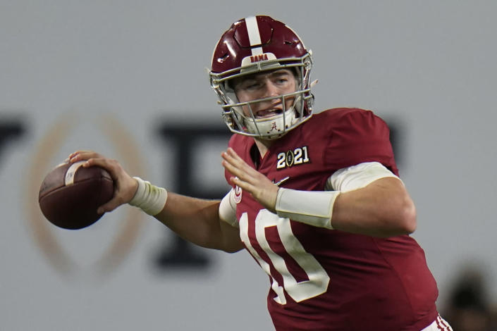 Alabama quarterback Mac Jones passes against Ohio State during the second half of an NCAA College Football Playoff national championship game, Monday, Jan. 11, 2021, in Miami Gardens, Fla. (AP Photo/Chris O'Meara)
