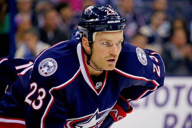 "COLUMBUS, OH – OCTOBER 16: <a class=""link rapid-noclick-resp"" href=""/nhl/players/3741/"" data-ylk=""slk:David Clarkson"">David Clarkson</a> #23 of the <a class=""link rapid-noclick-resp"" href=""/nhl/teams/cob/"" data-ylk=""slk:Columbus Blue Jackets"">Columbus Blue Jackets</a> lines up for a face-off during the game against the Toronto Maple Leafs on October 16, 2015 at Nationwide Arena in Columbus, Ohio. (Photo by Kirk Irwin/Getty Images)"
