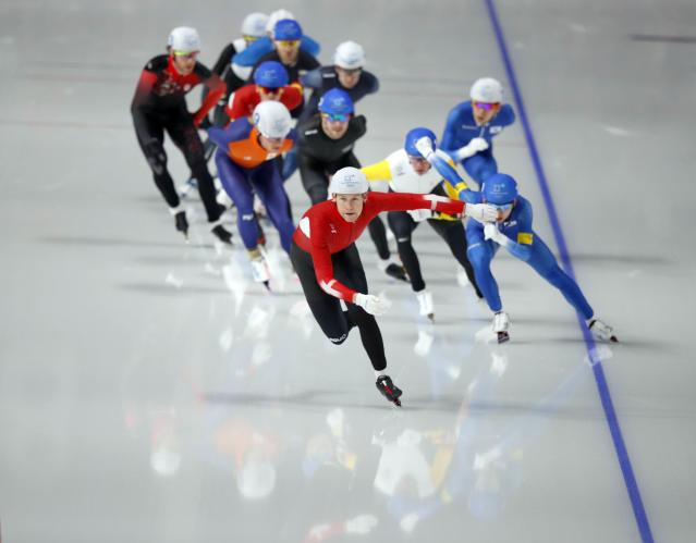 Speed Skating - Pyeongchang 2018 Winter Olympics - Men's Mass Start competition finals - Gangneung Oval - Gangneung, South Korea - February 24, 2018 - Athletes compete. REUTERS/Phil Noble
