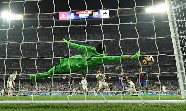 "<span class=""element-image__caption"">Keylor Navas cannot reach Lionel Messi's winning strike.</span> <span class=""element-image__credit"">Photograph: David Ramos/Getty Images</span>"