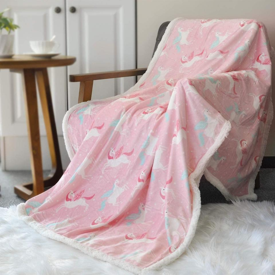<p>Chill out at home with this <span>BORITAR Sherpa Throw Blanket </span> ($22).</p>