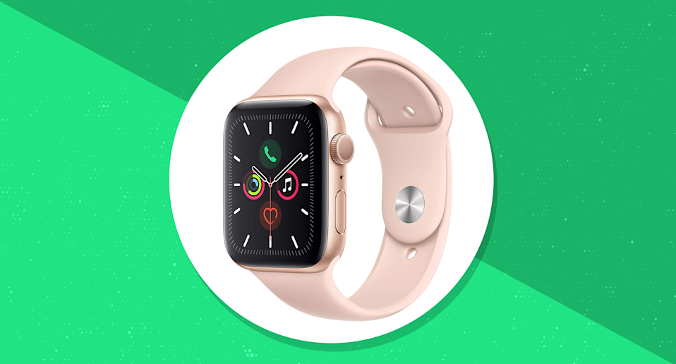 Apple Watch Series 5 (44mm) is on sale for $390. (Photo: Apple)