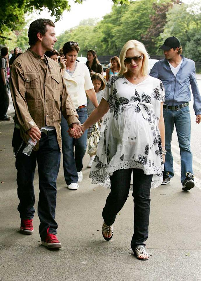 """Avid tennis fans Gavin Rossdale and Gwen Stefani were also in town for the tournament. The couple enjoyed a family day at the London Zoo with Roger Federer, the reigning Wimbledon champion. <a href=""""http://www.infdaily.com"""" target=""""new"""">INFDaily.com</a> - June 1, 2008"""