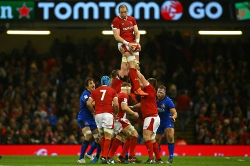 Wales' skipper Alun Wyn Jones (centre) says 'expectancy from playing at home'